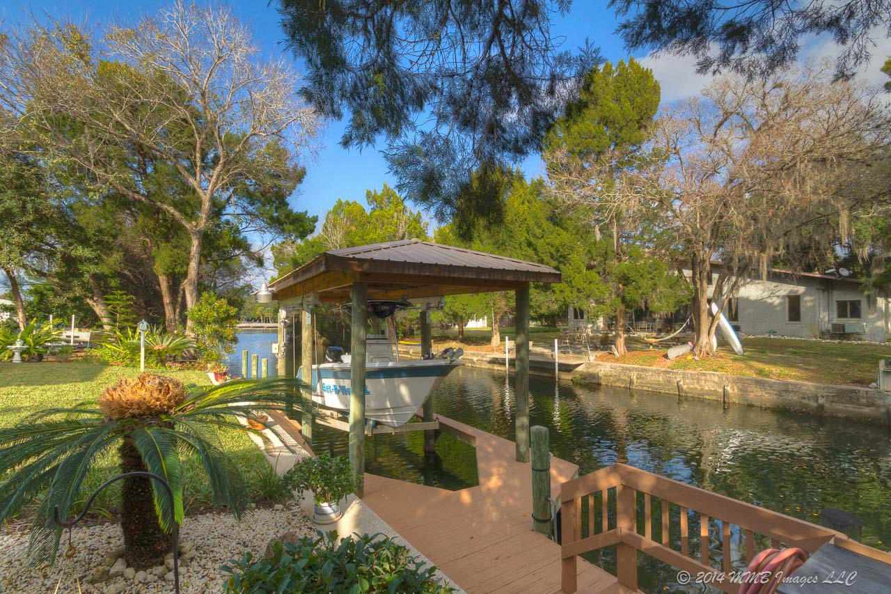 virtual tour of the waterfront home for sale in crystal