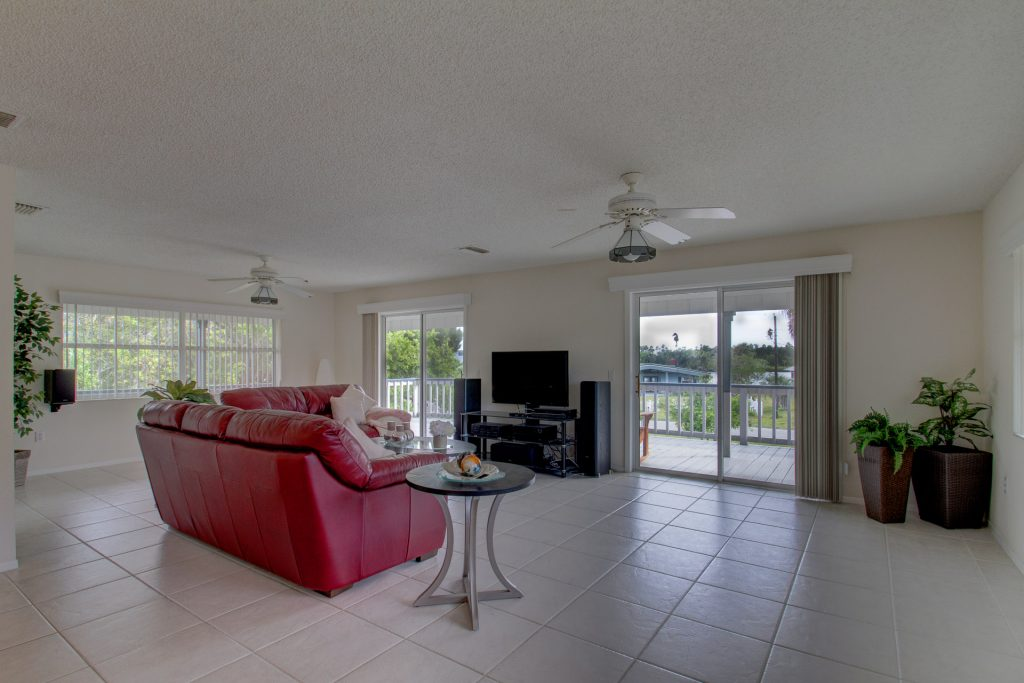 Listing Photos for the Real Estate and Home for Sale on 20th Avenue 1340 in Crystal River